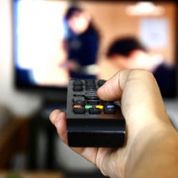 Lo zapping è cambiato negli ultimi 10 anni. Guardare la televisione è sempre più social.