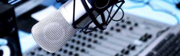Come cambia la radio? Che ne è di speaker, ascoltatori, pubblicità nell'era del digitale? Ne parliamo nel secondo episodio di Smart Sofà.