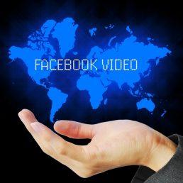 Il social network più popolare al mondo punta sempre di più sugli utlimi social trend: live streaming e video.