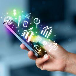 Tante sono le app scaricate su smartphone, uno studio però rivela che in realtà le più usate (80% del tempo) sono solo cinque.