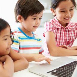 Molti aspetti della nostra vita sono controllati da software. Per questo motivo imparare il coding diventa essenziale anche per i bambini.