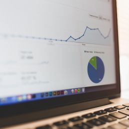 Una strategia di social media marketing, tra crescita e opportunità, è oggi imprescindibile per le imprese, nonostante un po' di scetticismo.
