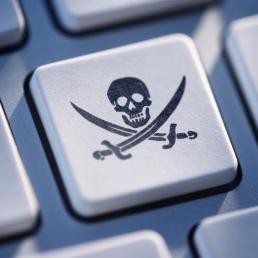 Siti pirata: accordo in Gran Bretagna per eliminarli dai motori di ricerca