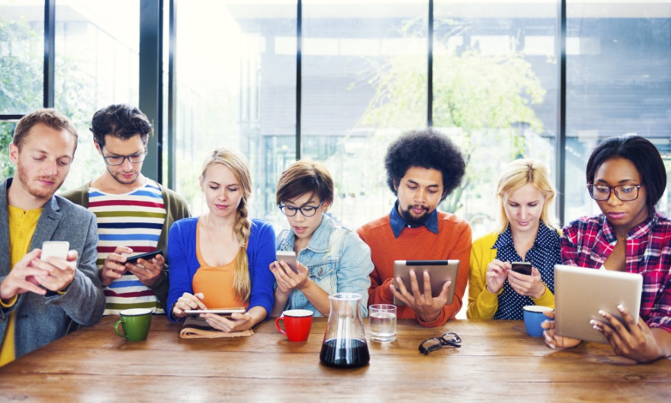 Impatto dell' utilizzo dei social media sulla salute mentale