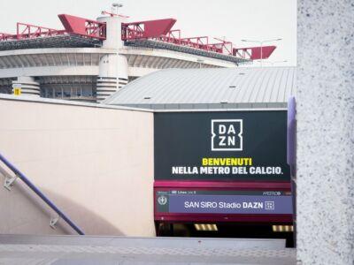 San Siro Stadio DAZN: l'ambient marketing alla fermata della metro