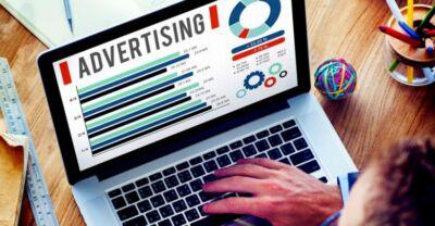 Spazi pubblicitari per aziende e professionisti: perché conviene avere un piano media studiato strategicamente