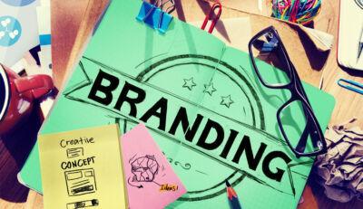 Quali sono gli aspetti da considerare nella definizione di una strategia di branding?