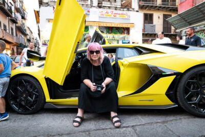 Le foto scattate a Palermo da Letizia Battaglia per Lamborghini sono davvero sessiste o raccontano un sogno di provincia?