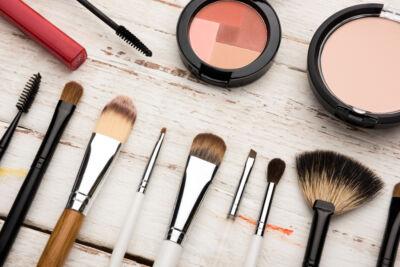 Continua a crescere l'interesse online per cosmetici e prodotti beauty durante la pandemia