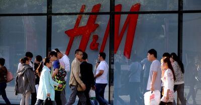 In Cina è partito il boicottaggio contro H&M, Nike e altri brand: ecco il motivo e le possibili conseguenze