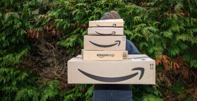 Amazon annuncia l'uso di algoritmi per definire gli orari di lavoro, rispondendo alle accuse sulle condizioni dei dipendenti