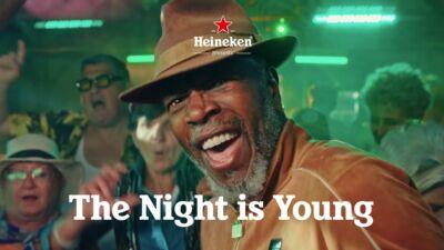 «La notte è dei vaccinati»: così lo spot di Heineken per promuovere le vaccinazioni spinge i no vax a boicottare il brand
