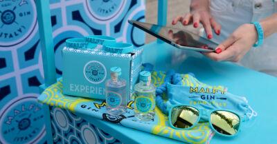 Il Malfy Coast-to-Coast Tour arriva sulle spiagge italiane con il Rosa G&T per un'estate colorata