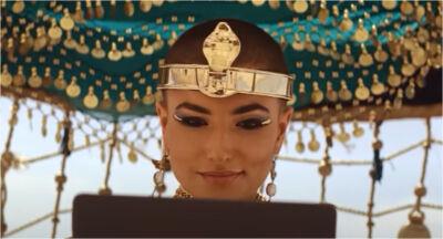 Amazon reinventa le storie di Raperonzolo e Cleopatra: come sarebbe andata se avessero avuto l'abbonamento a Prime?