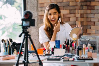 Le aziende beauty scommettono ancora sugli influencer, ma in modi e con finalità molto diverse
